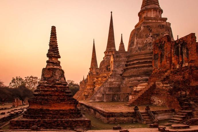Wat Phra Si Sanphet by Dusk. A mystic moment.