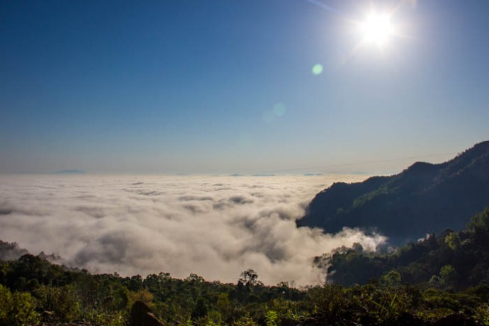 The Sea of Clouds at Phongsaly. This was taken close to the Hat Sa bus station.