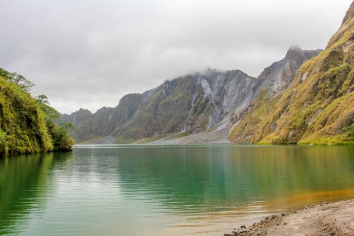 The crater lake at Mount Minatubo.