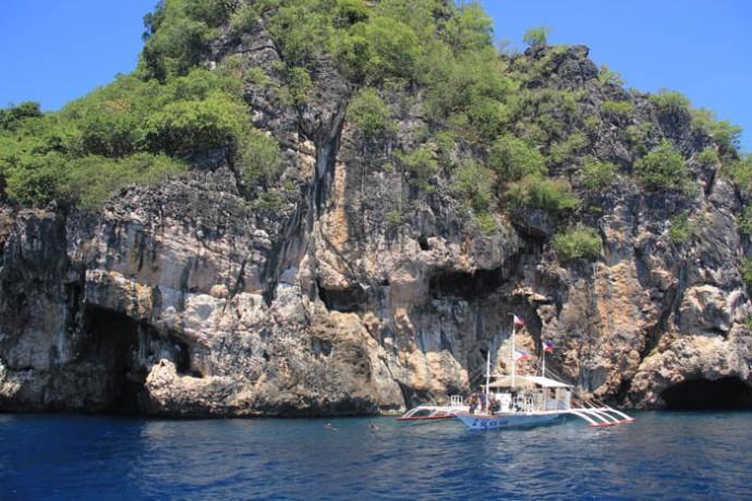 Gato Island dive spot.