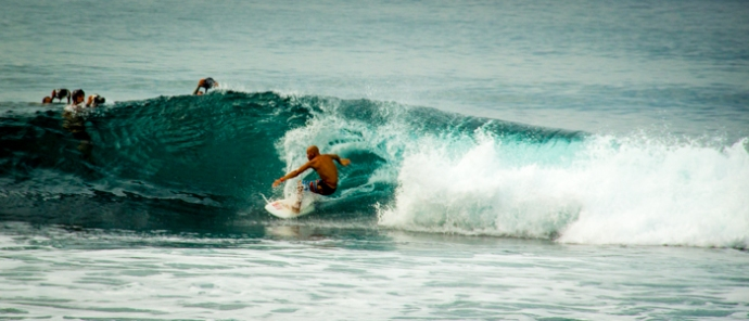 Kelly Slater at the Oakley Pro. Looks a bit different than above ;)