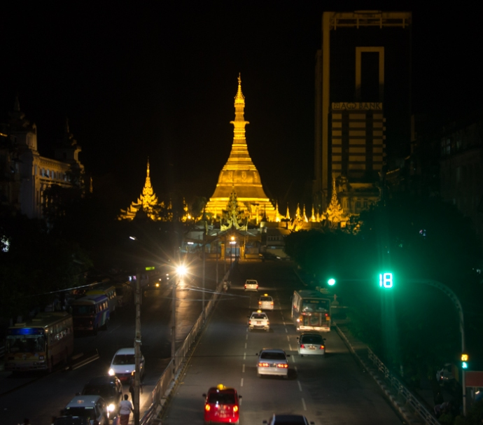 Sule Pagoda at Night.