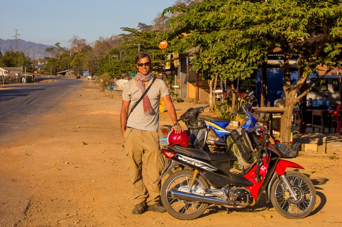 Thakhek motorbike Laos