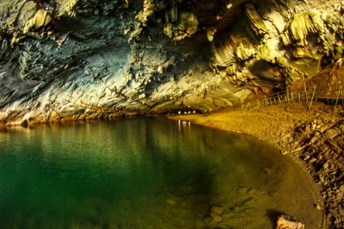 Tham Konglor Cave Laos Thakhek